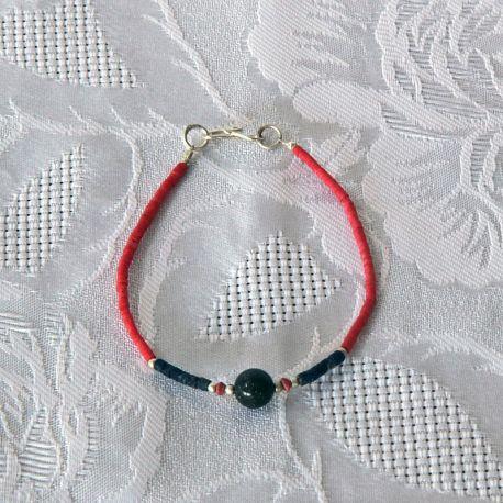 Bracelet fantaisie, perles corail, bleu nuit et perle ronde