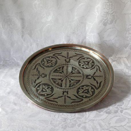 Plateau en cuivre étamé, diamètre 34 cm