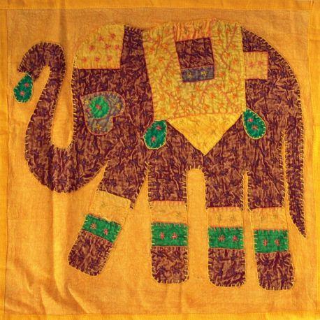 Housse de coussin jaune patchwork éléphant 03
