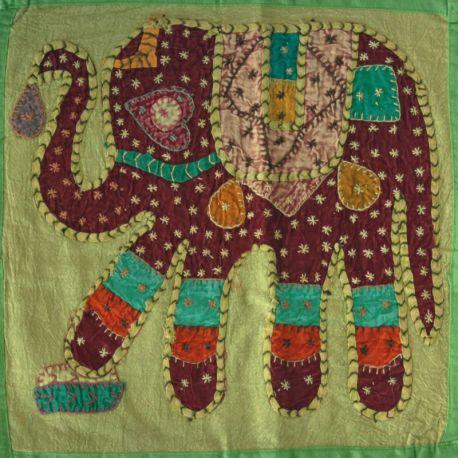 Housse de coussin vert patchwork éléphant 02