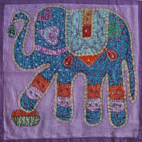 Housse de coussin violet patchwork éléphant 02