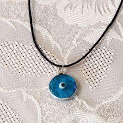 Oeil Turc, pendentif avec cordon noir en coton ciré